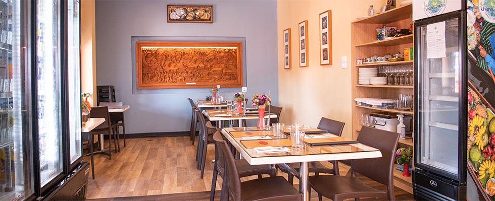 Interior of Ginreab Thai Restaurant